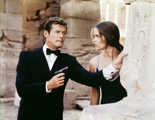 """O ator no auge da carreira como James Bond, no filme """"O Espião que me Amava""""."""