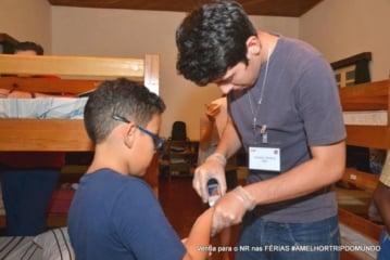ensinar a criança a medir a própria glicemia